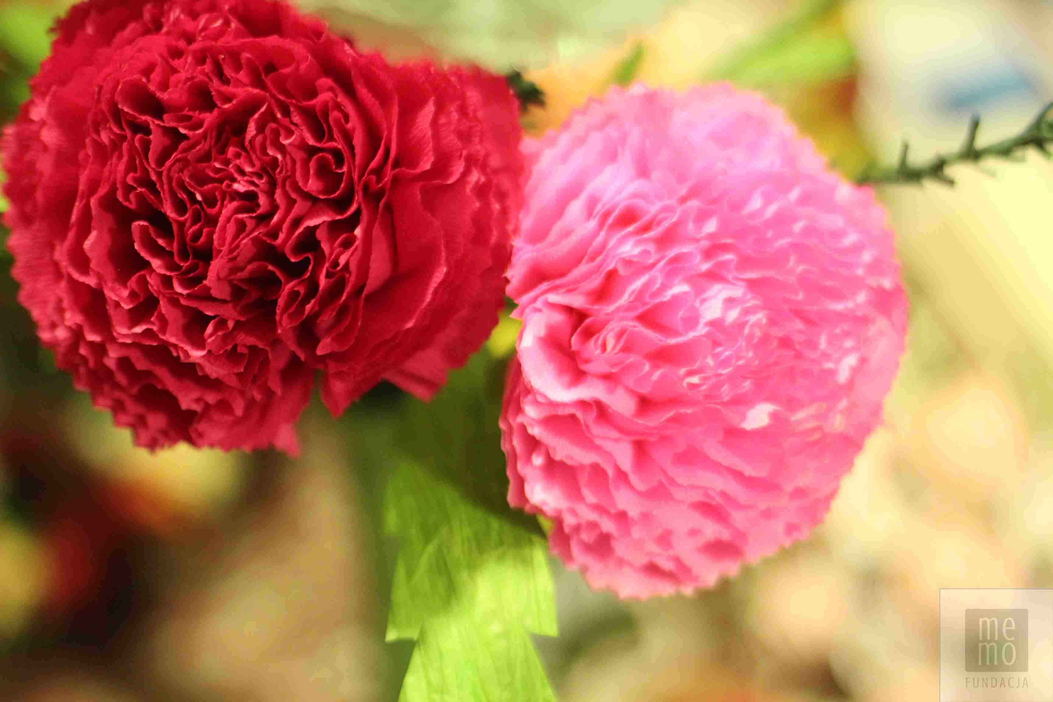 ludowe kwiaty z bibuły…